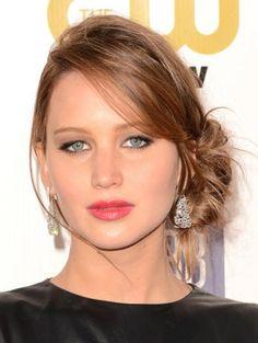 Red Carpet: 18th Annual Critics' Choice Awards Celebrity Beauty Looks  http://primped.ninemsn.com.au/galleries/hair-galleries/red-carpet-18th-annual-critics-choice-awards-celebrity-beauty-looks?image=5#