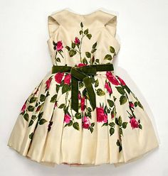 Girl´s party dress by Luis Estévez, 1959, the constuction and craftsmanship on this little dress is simply amazing!: