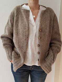 Sweater Knitting Patterns, Knit Patterns, How To Purl Knit, Raglan, Jacket Pattern, Knit Fashion, Fashion Over 40, Knitwear, Knit Crochet