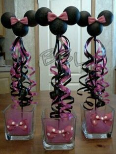 Minnie mouse centerpiece - for mickey mouse, use black, yellow, and red curl ribbons with yellow or white bowties Minnie Mouse 1st Birthday, Minnie Mouse Theme, Minnie Mouse Baby Shower, 1st Birthday Parties, Girl Birthday, Birthday Ideas, Pink Parties, Mouse Parties, Lila Party
