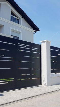 Fence Gate Design, Front Gate Design, Balcony Railing Design, Main Gate Design, House Gate Design, Door Design, Gate Designs Modern, Modern Fence Design, Front Gates