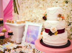 White cake adorned w