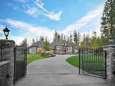 Boom! Super Bowl champ Richard Sherman bought this Seattle-area home from an NBA star.