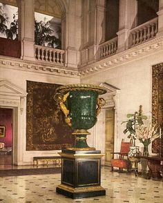 640 Fifth Ave. | The Great Hall in the Vanderbilt townhouse New York City. At center is the 9-foot malachite vase given by Emperor Nicholas I of Russia to Count Nicholas Demidoff, and acquired by William Henry Vanderbilt for this house in 1880.
