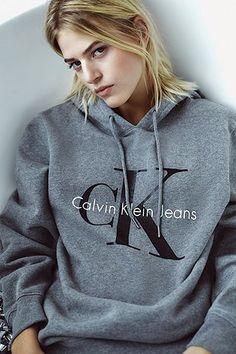 Calvin Klein - Sweat à capuche avec logo gris