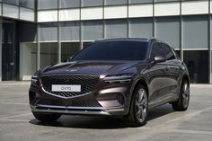 Genesis GV70 SUV debuts with new beautiful take on brand's design language | Credit: Genesis Suv Models, Sports Models, Mustang, Volkswagen, Sport Suv, Purple Interior, Powerful Images, Bmw X3, Luxury Cars