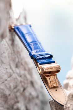 "If summer vacation had a color, Mediterranean Blue would surely be it. We've paired the light blue leather color with blue stitching to give this Apple Watch Band that summery ""beach-feel"" which makes all the difference. Gold Apple Watch, Apple Watch Bands, Leather Buckle, Suede Leather, Apple Watch Leather Strap, Apple Watch Fashion, Preppy Mens Fashion, Fashion Outfits, Apple Watch Accessories"