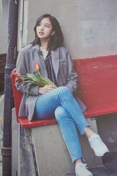 Myoui Mina- Twice Kpop Girl Groups, Korean Girl Groups, Kpop Girls, Nayeon, K Pop, Talia, Sana Momo, Twice Kpop, Myoui Mina