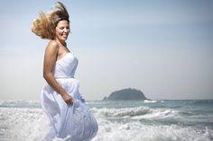 http://ift.tt/1O9LVe0  #wedding #weddingphotography #weddingphotographer #casamento #bride #canon #felicidade #clauamorim #claudiaamorim  #portrait #retrato #instawedding #photooftheday #happiness #vestidodenoiva #fotodecasamento #fotografodecasamento #love #vestidadebranco #lapisdenoiva #yeswedding #bridetobride #bride2bride  #ensaio #goiás #noivinhasdegoiania #destinationwedding #trashthedress #riodejaneiro #grumari