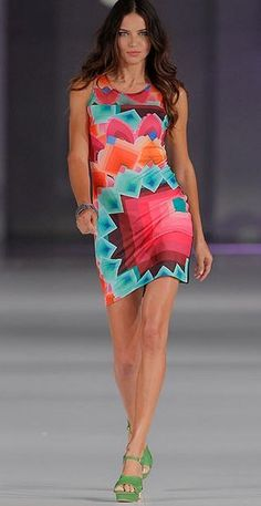 Pretty dress! Shop similar styles at Desigual!