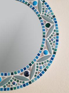 Mosaic Wall Mirror / Teal Bathroom Mirror / Round Wall Mirror / Mosaic Wall Art / Green Blue Home Decor / Wall Hanging / Teal Wall Decor Mosaic Wall Art, Mirror Mosaic, Round Wall Mirror, Glass Mosaic Tiles, Mosaic Artwork, Mosaic Tile Designs, Stained Glass Designs, Mosaic Crafts, Mosaic Projects