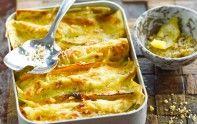 Le chef Cyril Lignac vous présente sa recette de lasagnes aux panais et courge. Un plat simple et gourmand.