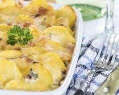 Gratin savoyard allégé de pommes de terre au Beaufort : http://www.fourchette-et-bikini.fr/recettes/recettes-minceur/gratin-savoyard-allege-de-pommes-de-terre-au-beaufort.html