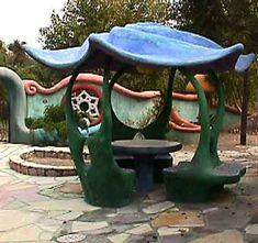 ferrocement bench / art nook/ garden. http://magpieandmask.blogspot.com/#