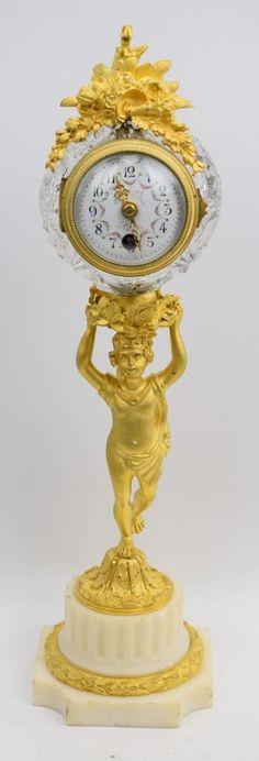 Vergoldete Bronze-Kristall-Pendule Kaminuhr auf Marmorsockel Paris um 1880