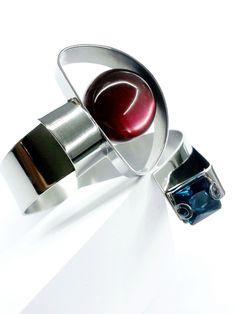 Light echo, bracelet steel, oxidized silver, london blue quartz, spheres resin#Zero43