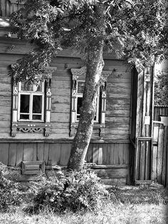 B&W Russian cottage