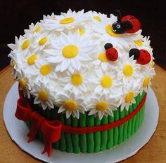 Cake Hacks Baking Tips How to Make Rolled Cakes daisy + ladybug cake. For my friend Dawnie! Fondant Cakes, Cupcake Cakes, Owl Cupcakes, Fruit Cakes, Bolo Laura, Amazing Cakes, Beautiful Cakes, Keks Dessert, Super Torte