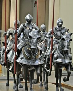 """MEDIEVAL KNIGHT WITH LONG PIKE PHALANX FIGURINE STATUE SMALL 4/""""H SUIT OF ARMOR"""