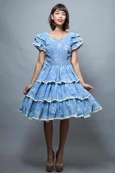Harajuku Lolita square dance dress L large vintage 70s blue white floral ruffles layers tiered