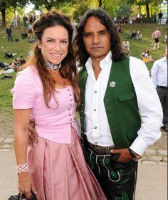 Christine Neugebauer mit ihrem Jose auf der Wiesn #TrachtenAngermaier #Angermaier