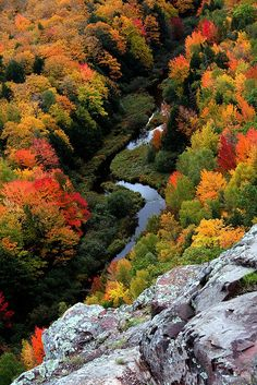 Big Carp River seen from Lake of the Clouds Overlook in Porcupine Mountains Wilderness State Park Fall Pictures, Fall Photos, Nature Pictures, Autumn Scenes, World Best Photos, Nature Wallpaper, Amazing Nature, Beautiful Landscapes, Places To Go