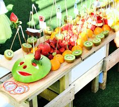 {Cute & Clever} Very Hungry Caterpillar Party- Giant fruit caterpillar
