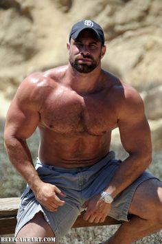 Ass pummel by big muscled guy
