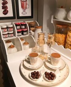 Food Table Decorations, Food Decoration, Breakfast Platter, Breakfast Recipes, Coffee Presentation, Turkish Kitchen, Pastry Shop, Coffee Type, Food Goals