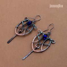 Copper earrings by a Polish artist Wire Jewelry Earrings, Wire Wrapped Earrings, Copper Earrings, Wire Wrapped Pendant, Metal Jewelry, Beaded Earrings, Wire Jewelry Designs, Designer Earrings, Wire Tutorials