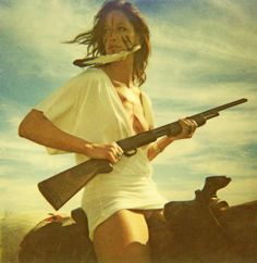 Californian #photographer Neil Krug, Pulp Art! Girls  Guns, what a classic topos.