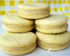 Limonlu Kurabiye Tarifi Filled Cookies, Best Christmas Cookies, Cookie Time, Lemon Cookies, Frozen Yogurt, No Cook Meals, Yummy Cakes, Cookie Recipes, Delicious Desserts