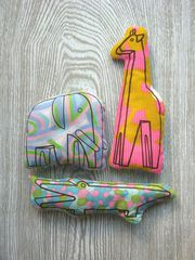 sewing kit - elephant, giraffe, aligator