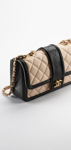 Lambskin flap bag with contrasted... - CHANEL