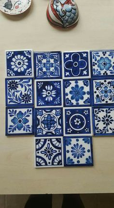 Pottery Painting, Ceramic Painting, Glazes For Pottery, Ceramic Pottery, Tile Art, Mosaic Tiles, Blue Tiles, White Tiles, Tuile