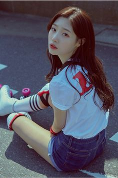 DIA drops jacket images for upcoming 'YOLO' including new members Jooeun and Somi Kpop Girl Groups, Korean Girl Groups, Kpop Girls, Jenny Lee, Yolo, Jung Chaeyeon, Jacket Images, Korean Model, Ulzzang Girl