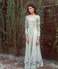 Pakistani fashion for functions Asian Wedding Dress, Pakistani Wedding Outfits, Pakistani Dresses, Indian Dresses, Indian Outfits, Exotic Wedding, Ethnic Fashion, Asian Fashion, Pakistani Couture