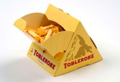 Toblerone Packaging - Art and design inspiration from around the world - CreativeRoots Biscuits Packaging, Food Box Packaging, Juice Packaging, Food Packaging Design, Packaging Design Inspiration, Brand Packaging, Food Packaging Materials, Toblerone, Innovative Packaging