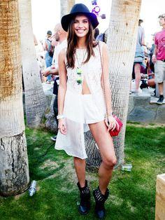 So viele Engel: Auch Sara Sampaioläuft normalerweise für Victoria's Secret über den Laufsteg. Dieses Wochenende war sie im luftigen Hippie-Look auf dem Coachella-Festival unterwegs.