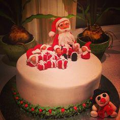 """""""Sjokoladekake;) #nissekake til #juleavslutning for #9klasse  #sjokoladekake  #smørkrem ##slikkepotten  #godtno #nrk1 #handmade #konkurranse…"""""""