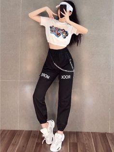 Korean Girl Fashion, Korean Fashion Trends, Fashion Mode, Ulzzang Fashion, Korean Street Fashion, Tomboy Fashion, Hipster Outfits, Kpop Fashion Outfits, Sporty Outfits