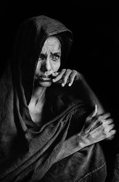 Sebastião Salgado - blind Tuareg woman