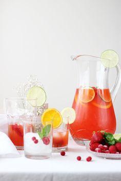 <p>Si hay una bebida famosa y refrescante en el mundo sin duda es la limonada. Una bebida fresca, sana, llena de vitaminas e ideal para estos días que ya empiezan a ser calurosos.Además es una bebida perfecta y natural para…</p>