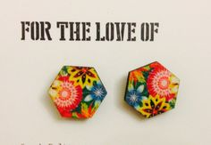 Floral hexagon earrings with a wooden front #fashion #earrings