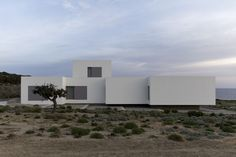 Adored minimalist architect John Pawson has gifted us with two lovely island homes in Paros, Greece. Paros House I and II are white-clad retreats sitt. Minimal Architecture, Modern Architecture House, Ancient Architecture, Sustainable Architecture, Residential Architecture, Architecture Details, Landscape Architecture, Minimal House Design, Modern Design