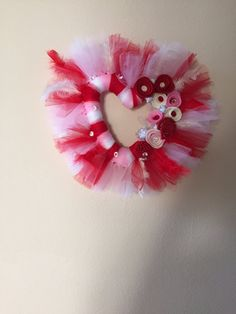 Heart wreath, Valentine wreath, Mother's day wreath, Tulle wreath by Tapsikdesign on Etsy