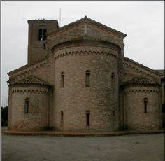 Pieve di San Vito - Ostellato ( Ferrara ). Una lapide all'interno pone il 1027 come anno di fondazione.