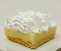 Lemon Pie with Cookies is Small Desserts, Köstliche Desserts, Delicious Desserts, Dessert Recipes, Yummy Food, Lemon Pie Receta, Sweet Pie, Quiches, Sweet Cakes