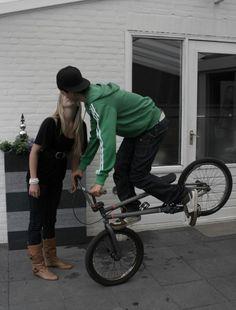 Bmx Bike Frames, Romantic Photos, Bmx Bikes, Skateboards, Bicycles, Couple Goals, Girlfriends, Cycling, Swag
