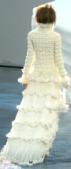 ● Chanel ● If I got married again I'd want to wear this :)